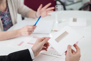 Personen diskutieren - Mulger Masterpack GmbH