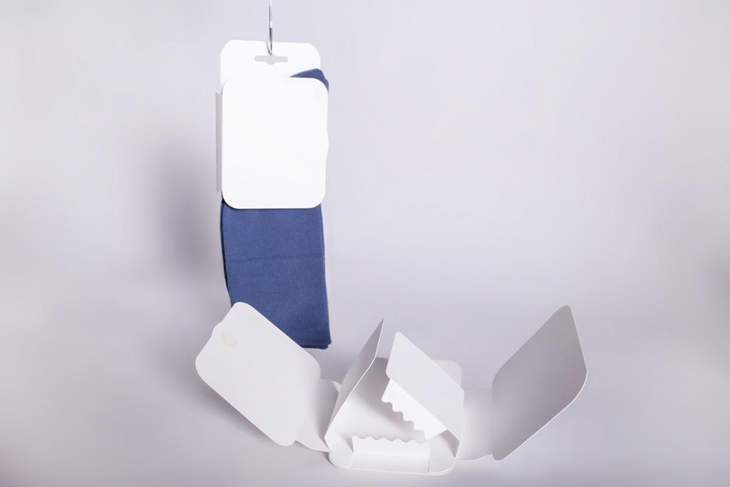 Banderole mit Socken mit Haltevorrichtung - Mugler Masterpack GmbH