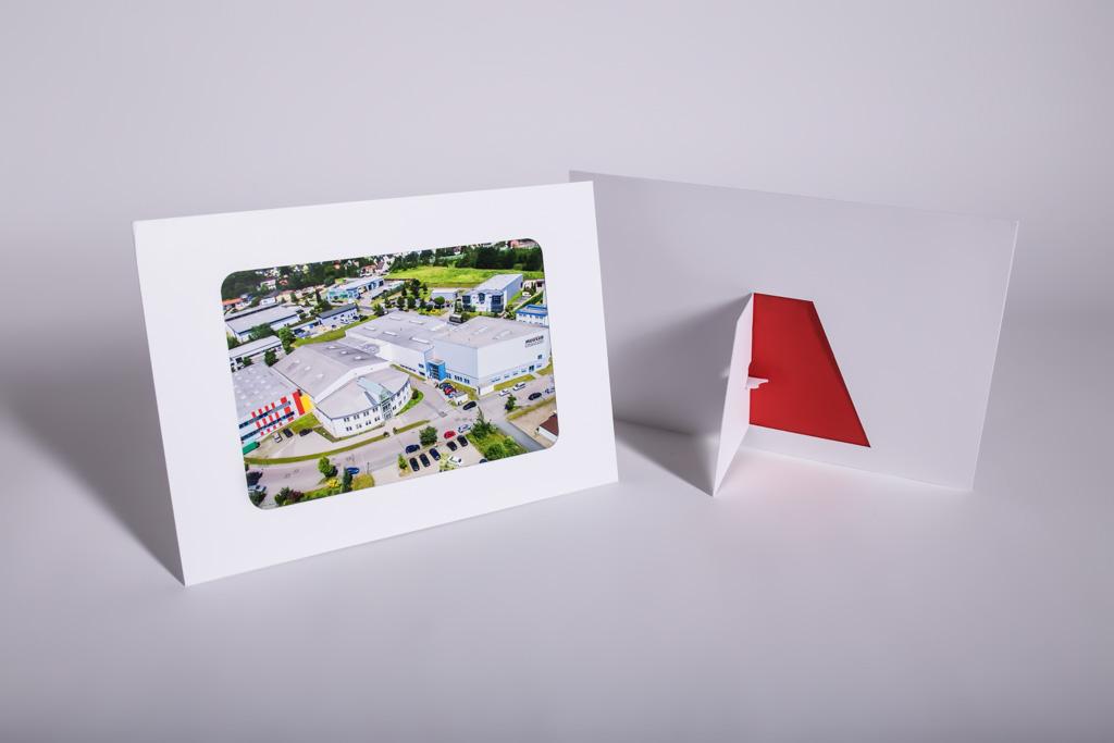 Ein Fotoaufsteller aus Karton - Mugler Masterpack GmbH