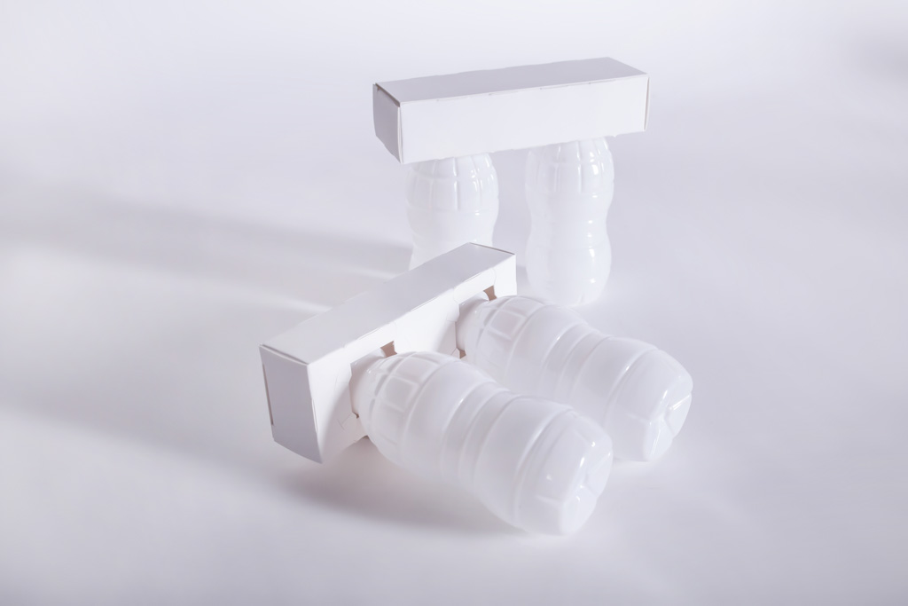 Clip für 2 Flaschen - Mugler Masterpack GmbH