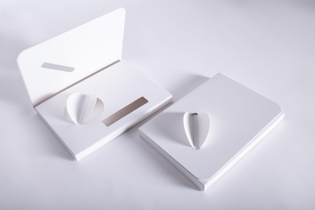 Promotionverpackung mit Verschluß - Mugler Masterpack GmbH