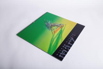 Ein Wandkalender mit schönen Bildmotiven - Mugler Masterpack GmbH